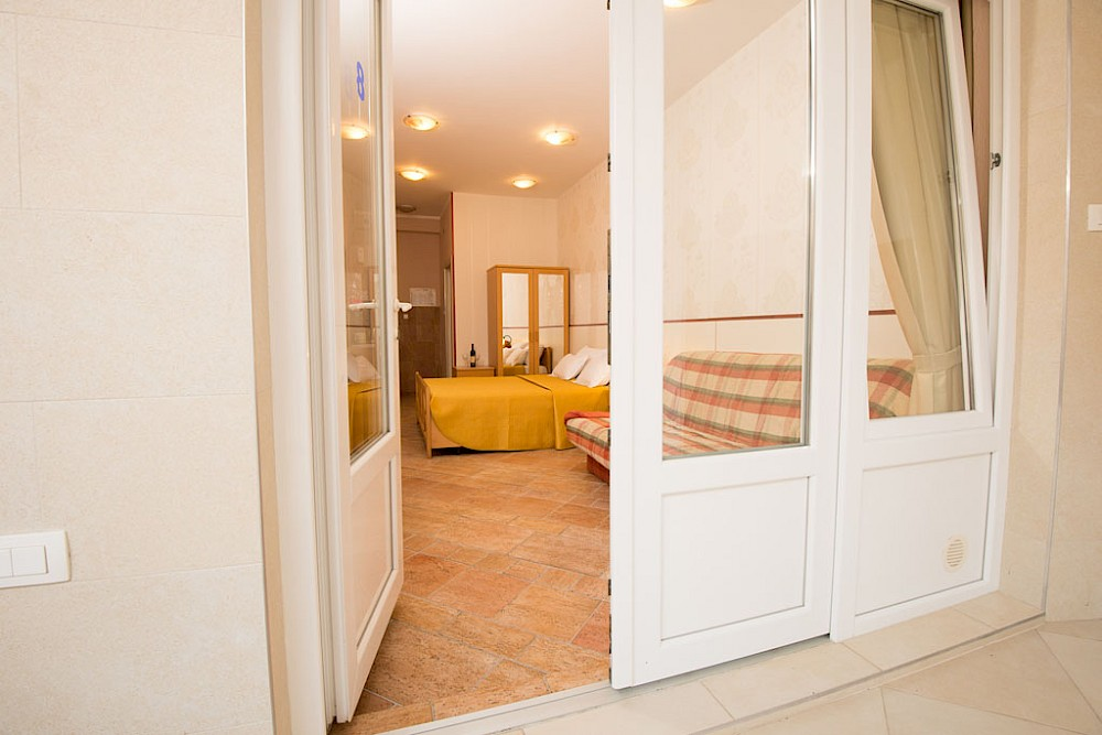 sofija apartmani budva crna gora