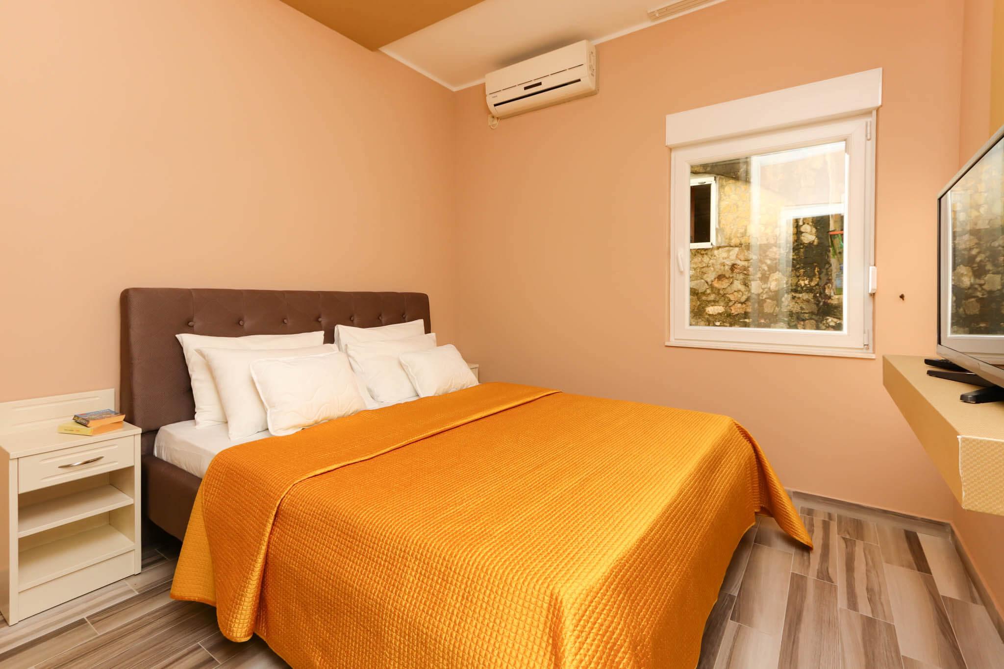 Two Bedroom Apartment Lux with garage - Apartments Sofija 10